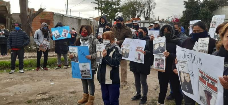 MARCHA DE FAMILIARES A LA FISCALÍA GENERAL La CPM patrocina a la familia de Lucas Verón y pidió la recusación del fiscal