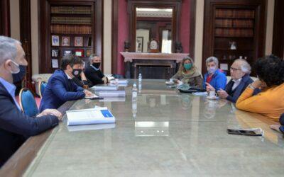 LA AGENDA DE DERECHOS HUMANOS EN LA PROVINCIA DE BUENOS AIRES La CPM se reunió con el gobernador Axel Kicillof para entregarle su XIV Informe Anual