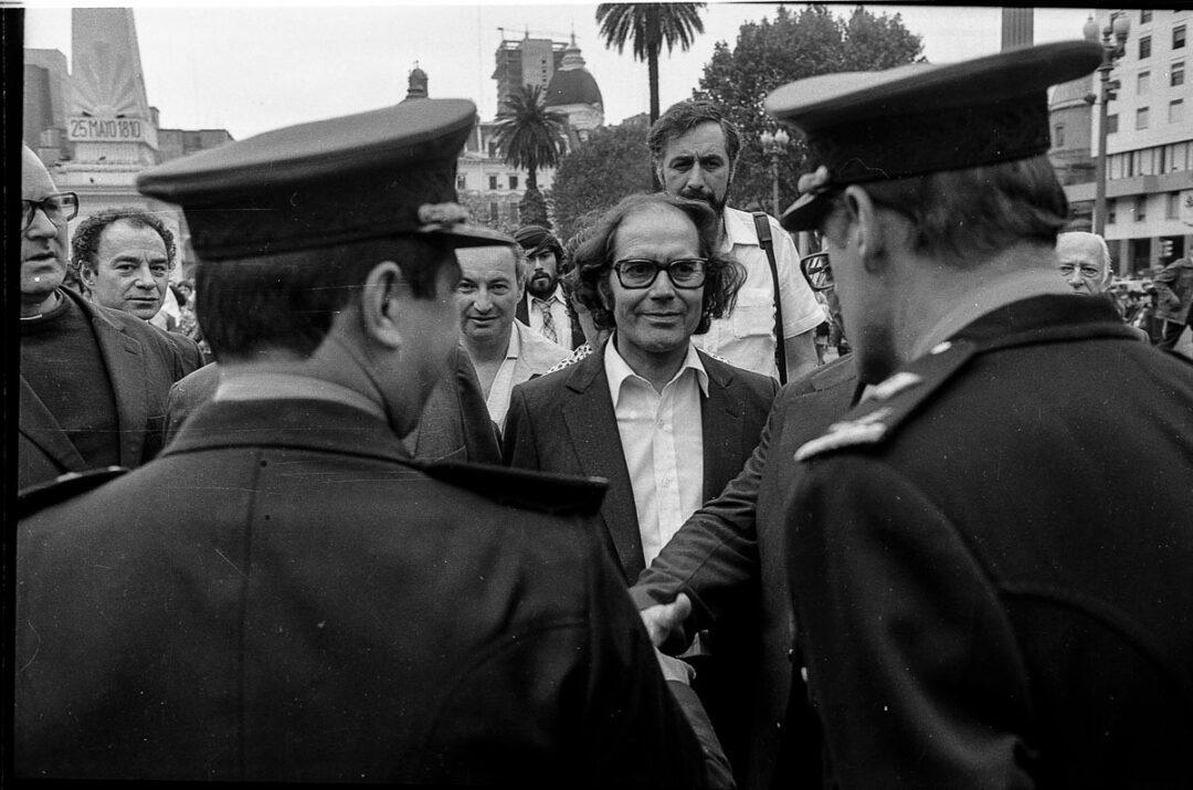 Un caso de alto interés para la Embajada: los pedidos por la libertad de Pérez Esquivel